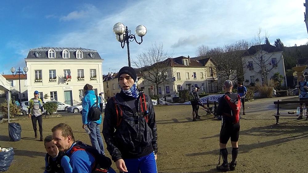 Le second ravitaillements lors du maxicross de Bouffémont