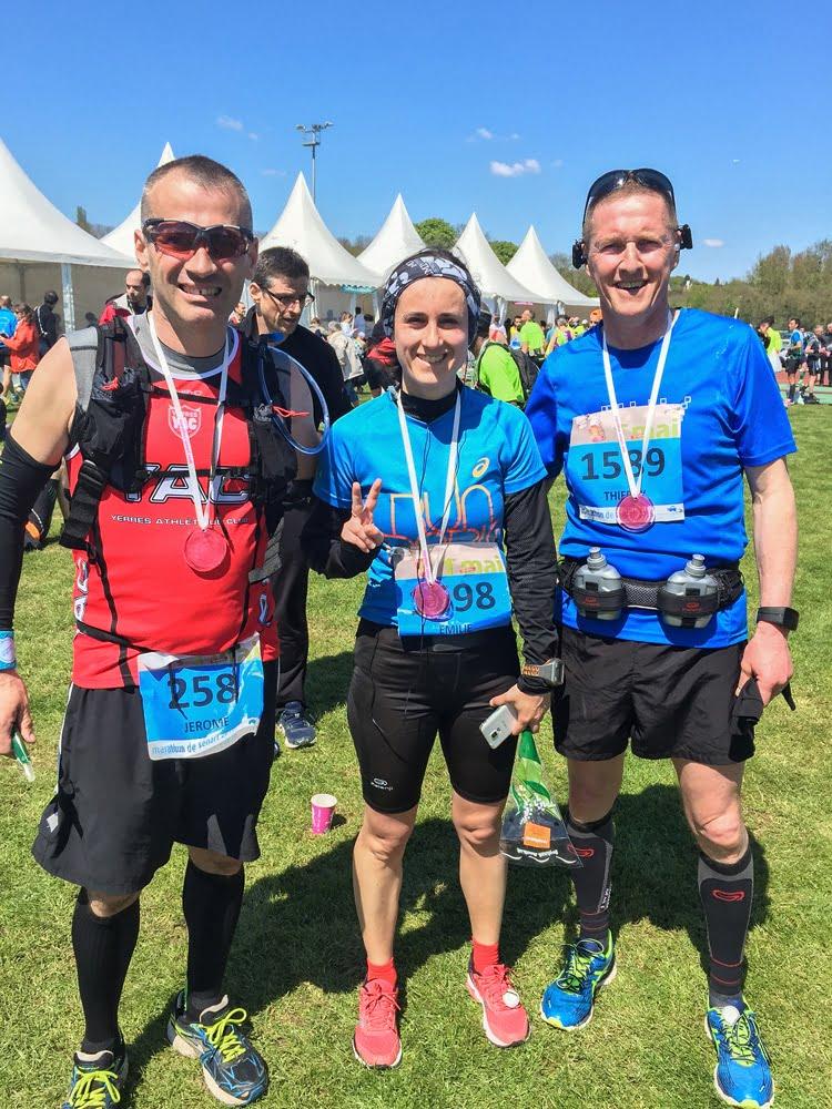 La fine équipe de coureur du Marathon de Sénart