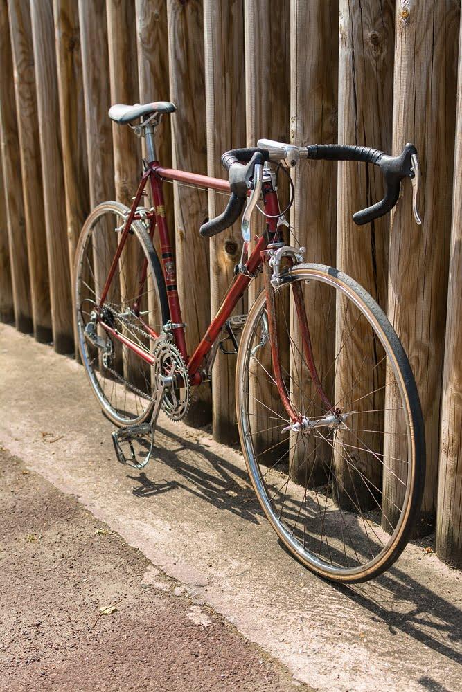 Vieux vélo Terrot restauré