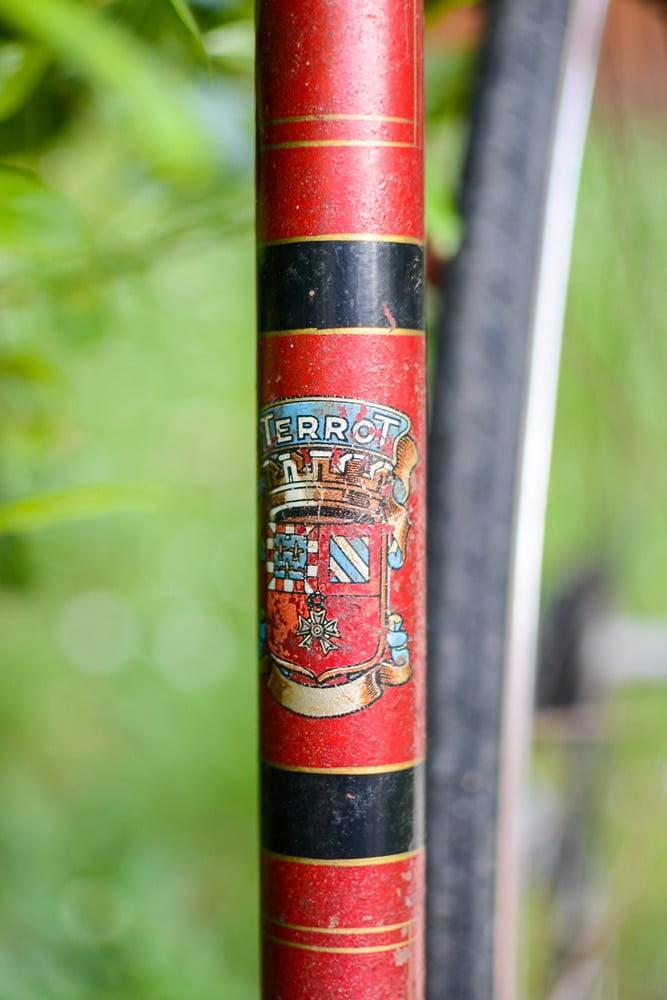 Logo TERROT sur un cadre de vélo