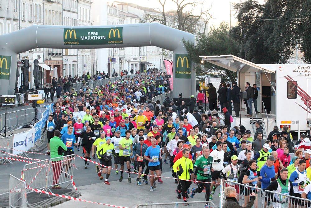 Passage lors du semi-marathon de la Rochelle.